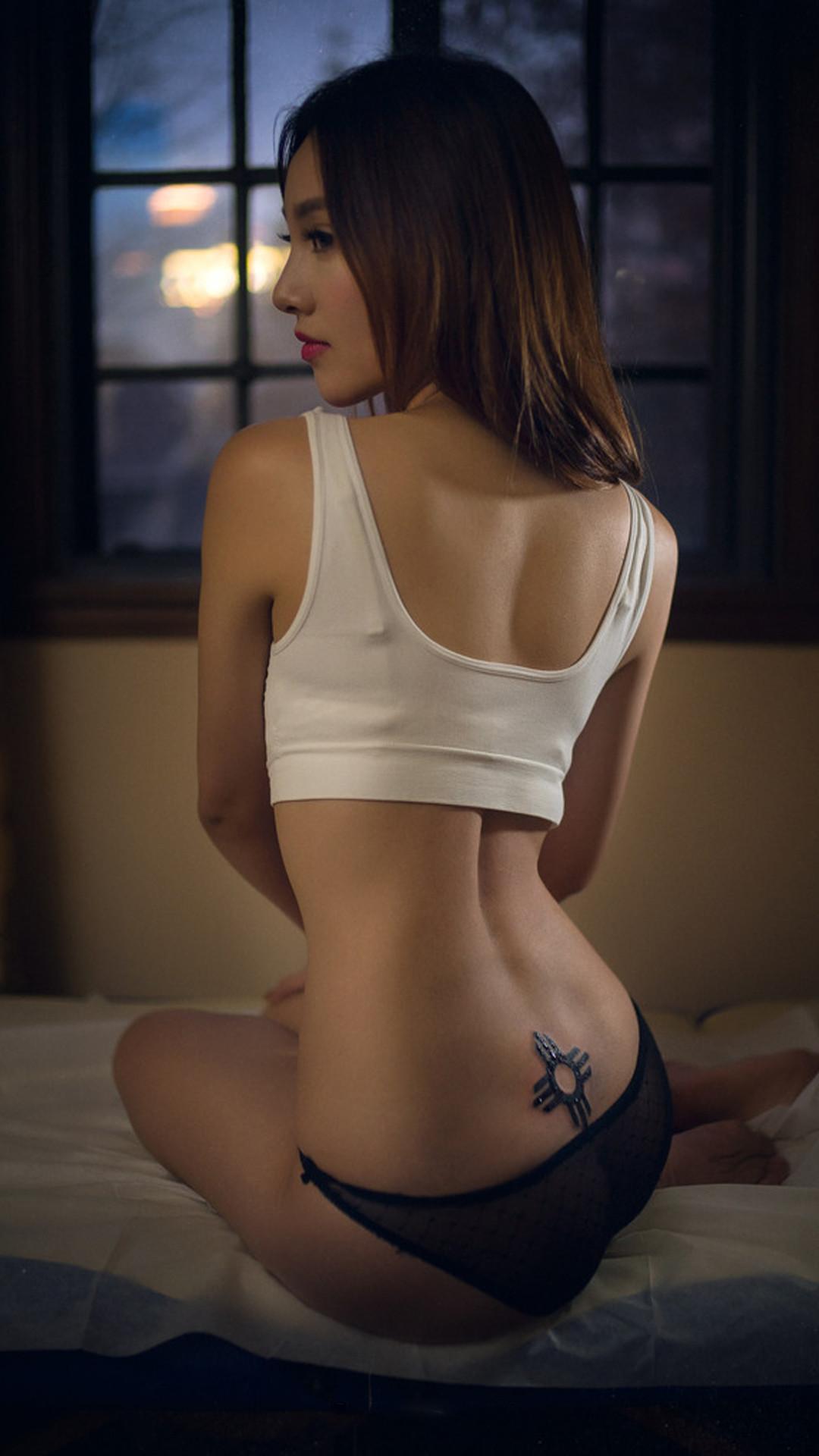 美女竖屏桌面